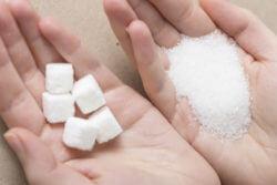白砂糖は麻薬!!高度に精製された物です。ですからもはや『食』の体をなさず、完全に薬の状態なのです。薬