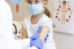 マスク付けない、危険な酸素レベル発達障害・精神障害・脳障害の恐れ